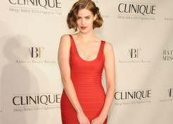[VIDEO] Your Daughter NEEDS to See This Video: Robyn Lawley on Changing the Shape of Fashion