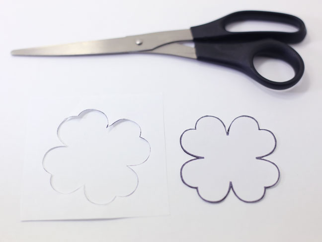 Free Printable] Diy Shamrock Shoe Clips