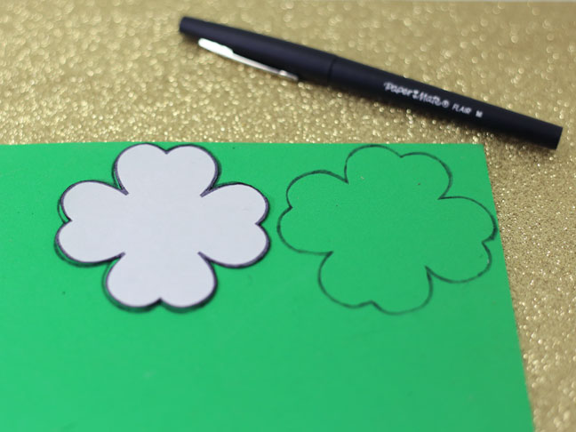 green shamrock template pen