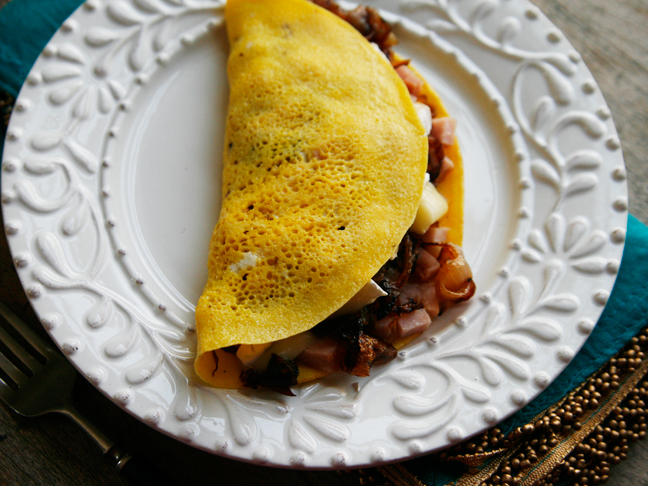 Caramelized Onion Omelette with Ham & and Brie - Momtastic