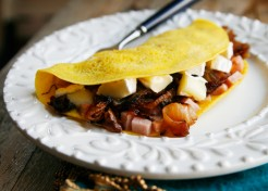 Caramelized Onion Omelette with Ham & and Brie