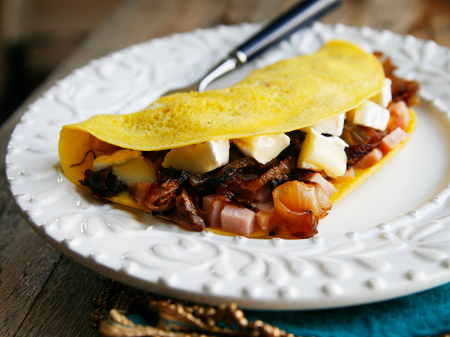 Caramelized Onion, Ham and Brie Omelets