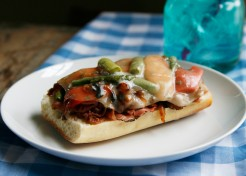Open-Face Cheesy Roast Beef and Veggie Melts Recipe