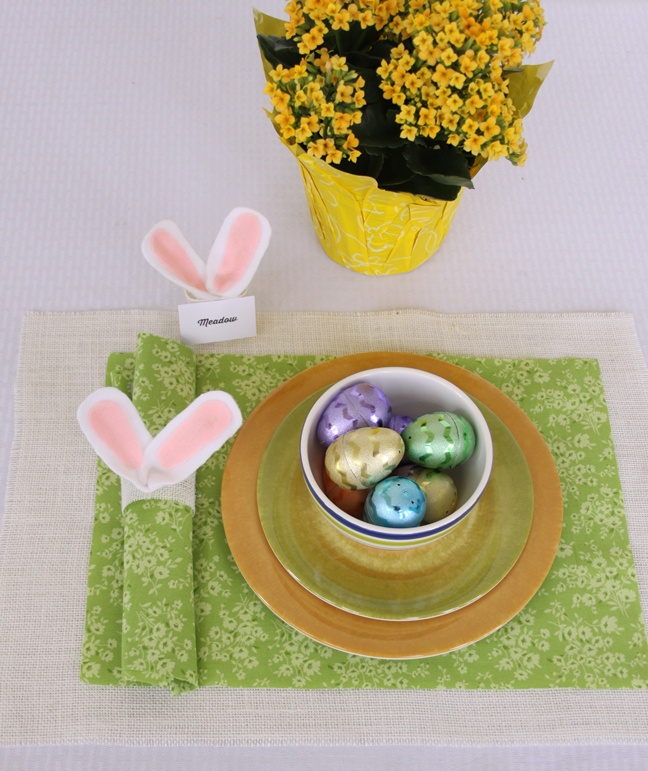 Easy DIY Easter Bunny Ears Napkin Ring and Place Card Holder – Easter Place Card Holders