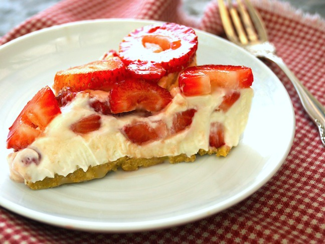 No-Bake Summer Strawberry Cheesecake-HERO