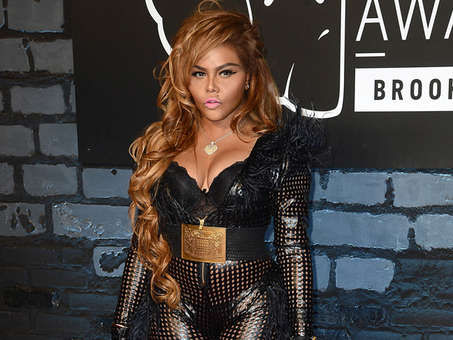 Lil Kim Gives Birth To Baby Daughter