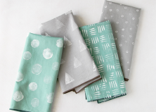 4 Stamped Napkins DIYs Using Stuff You Already Have Around the House