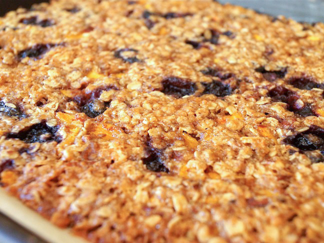 Blueberry-Peach-Cobbler-Granola-Recipe-PREP-4