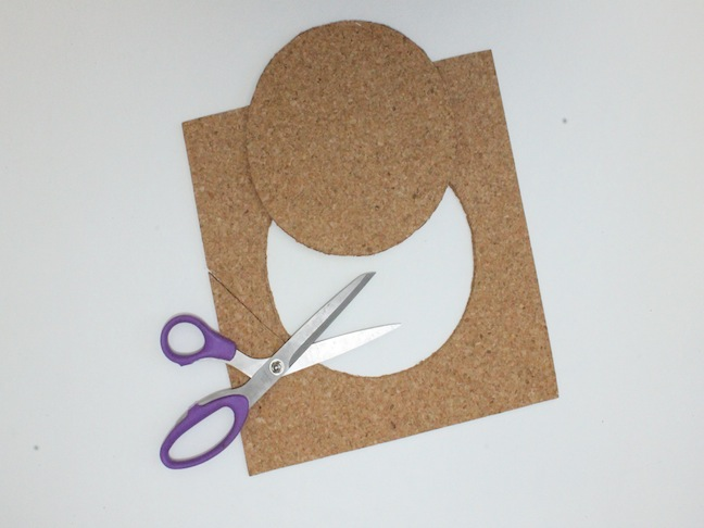 DIY Embroidery Hoop Cork Board
