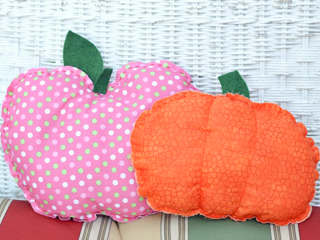 apple-pumpkin-pillow-diy-hand-stitched