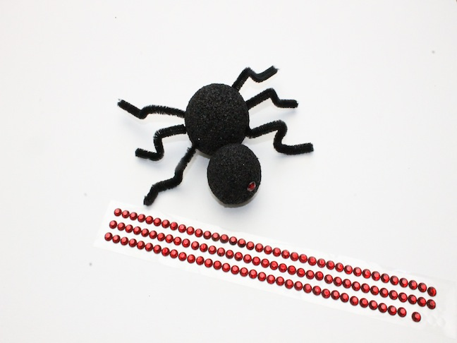 DIY Spooky Styrofoam Spider Craft; kelly ladd sanchez; momtastic.com