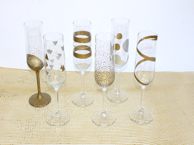 Easy DIY New Years Eve Hand Painted Champagne Flutes; kelly ladd sanchez; klscrafts.com; momtastic.com