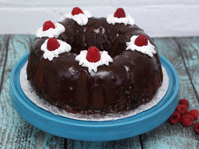 raspberry chocolate bundt cake final 3