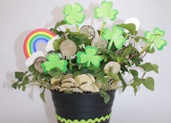 DIY St. Patrick's Day Pot of Gold Plant