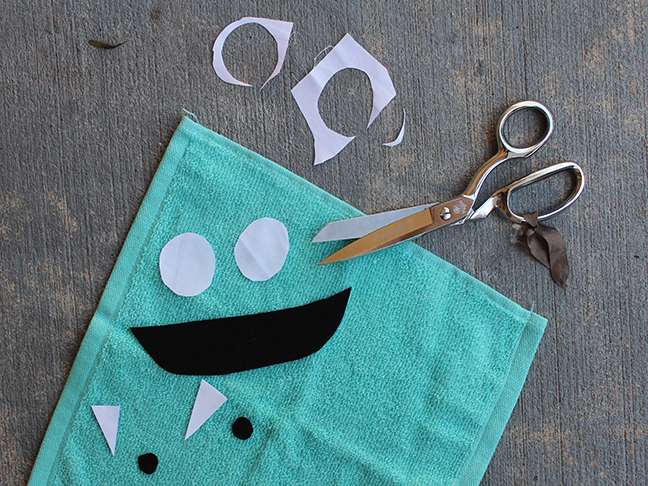 monster face wash cloth scissors