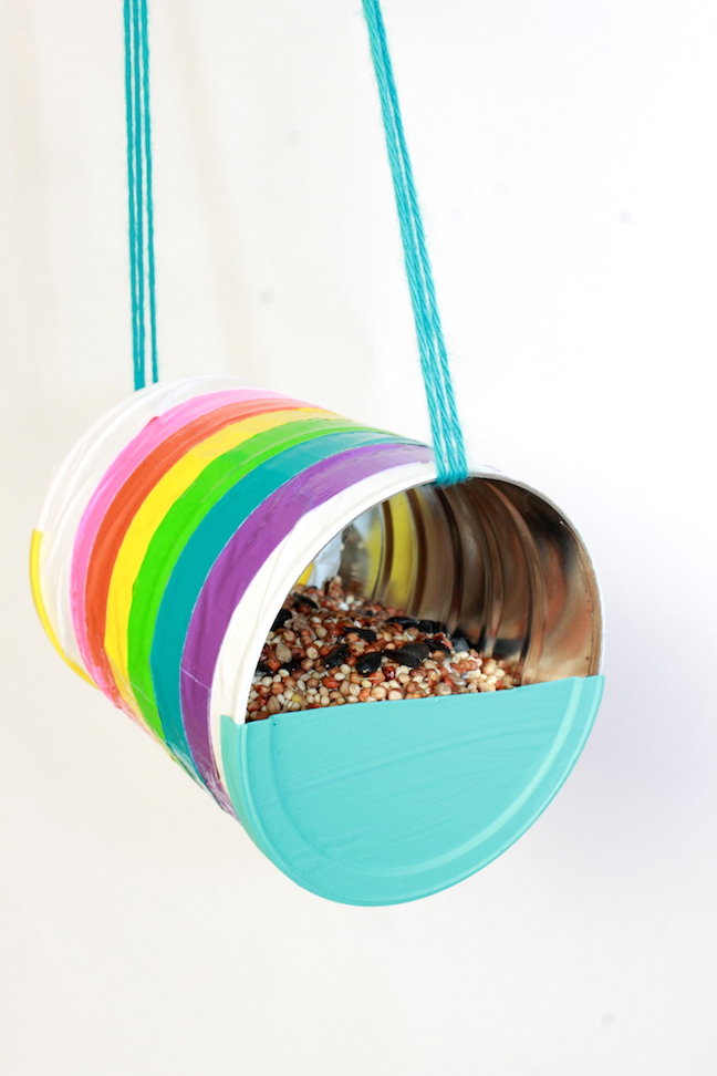 How to make a recycled can bird feeder plus 20 recycled for Recycling ideas for kids