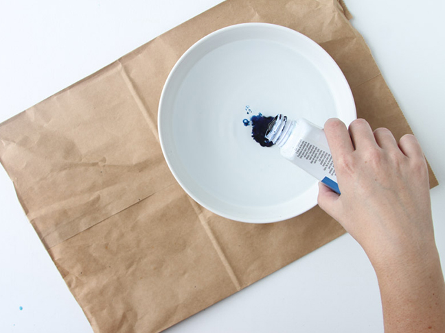 Step 1 // Pour dye into bowl with water