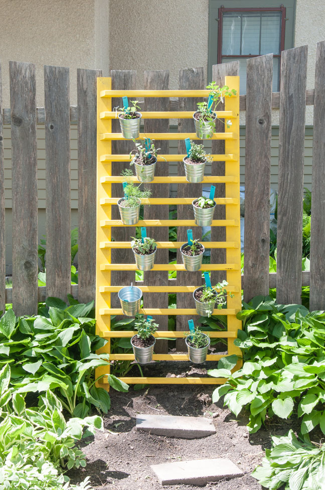 diy-vertical-herb-garden-2