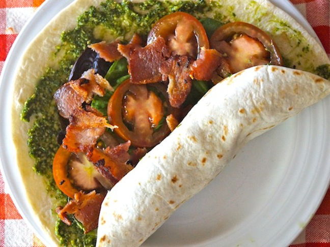 tomatoes-lettuce-tortilla-bacon