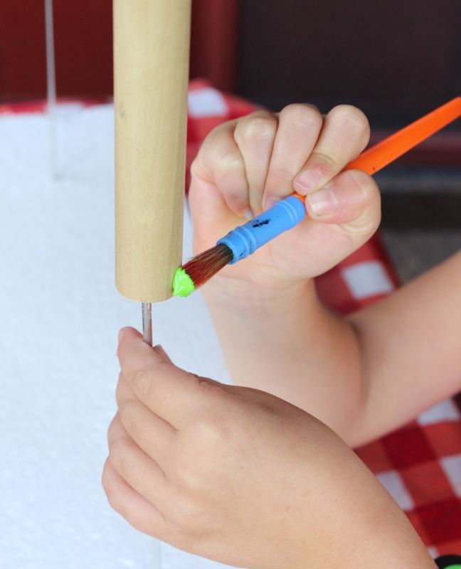 wood-dowel-paintbrush-green-paint-kid-project