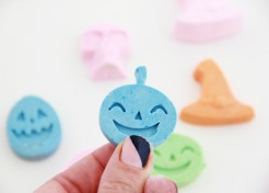 DIY Halloween Chalk Favors