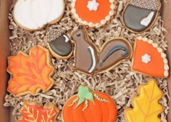 Cheerful & Cheap Thanksgiving Decor Ideas That Won't Clog Up Your Storage Space