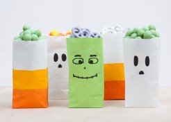 Easy-to-Make Halloween Party Bags (Great for School Lunches, Too!)