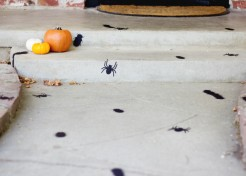 [FREE PRINTABLES] Creepy Crawlers Sidewalk for Halloween