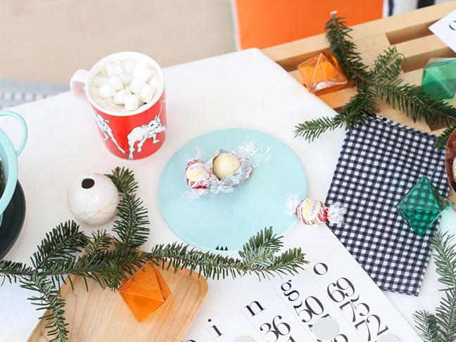 How to Master Hosting a Holiday Party with Friends