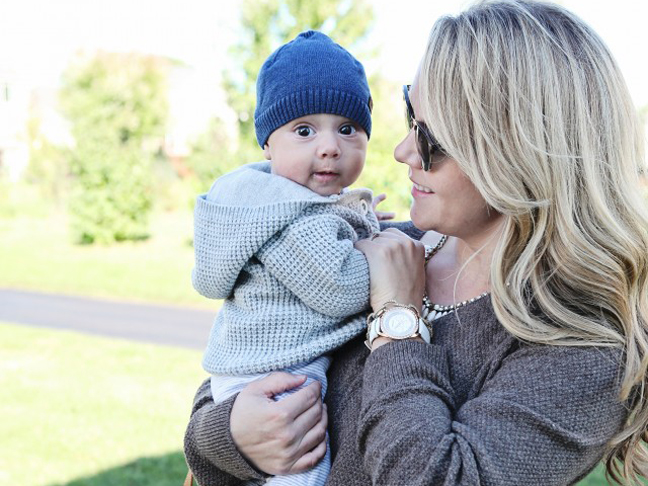 5 Essentials Every Mom Needs for Holiday Travel with Baby