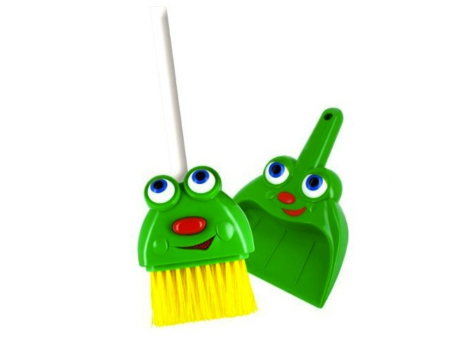 Silly Sam Talking Broom Set