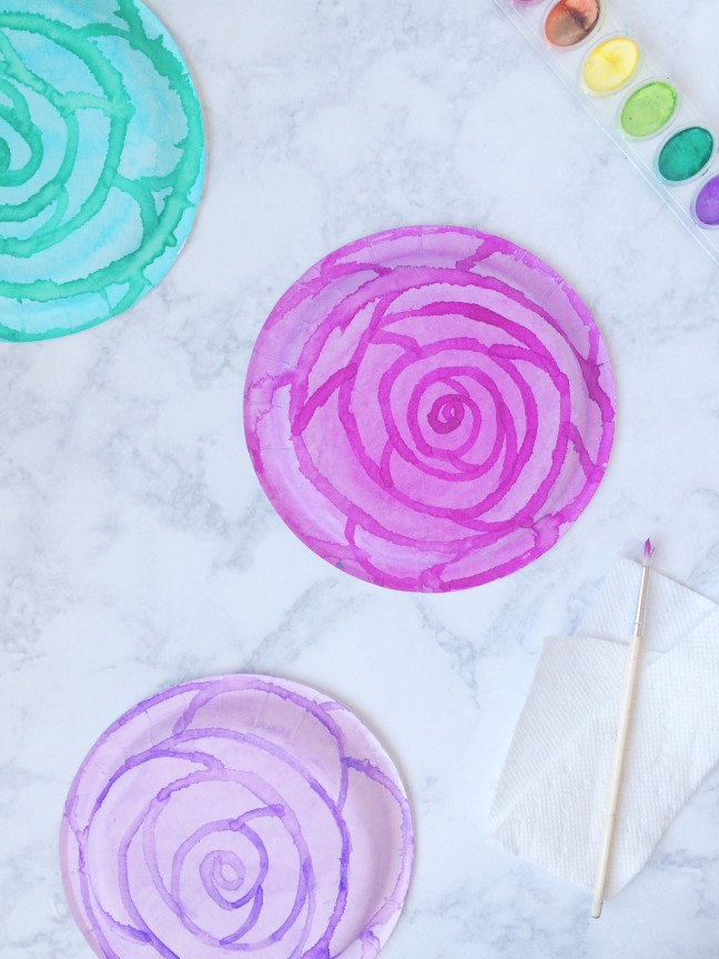 DIY Watercolor Flower Paper Plate Favor Box | Shauna Younge