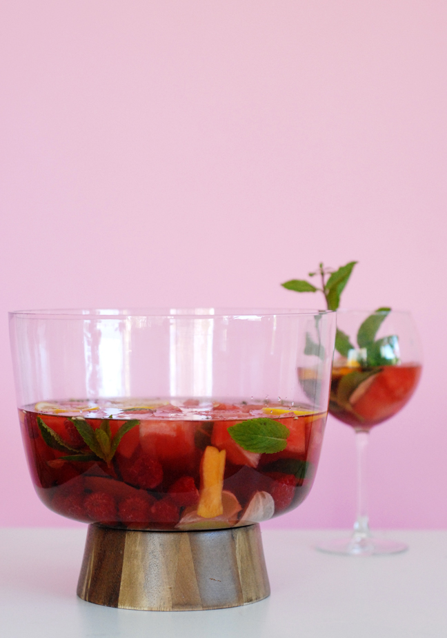 Fruit Punch Sangria Recipes Recipes. Which kind of fruit would you like in the recipe? Kiwi Mango Orange Apples Peaches Any Type of Fruit. Skip. Last updated Dec 01, suggested recipes. Simply Fruit Punch® Sangria Simply Orange Juice. strawberries, rosé, club soda, raspberries, blood oranges, fruit punch and 1 more.