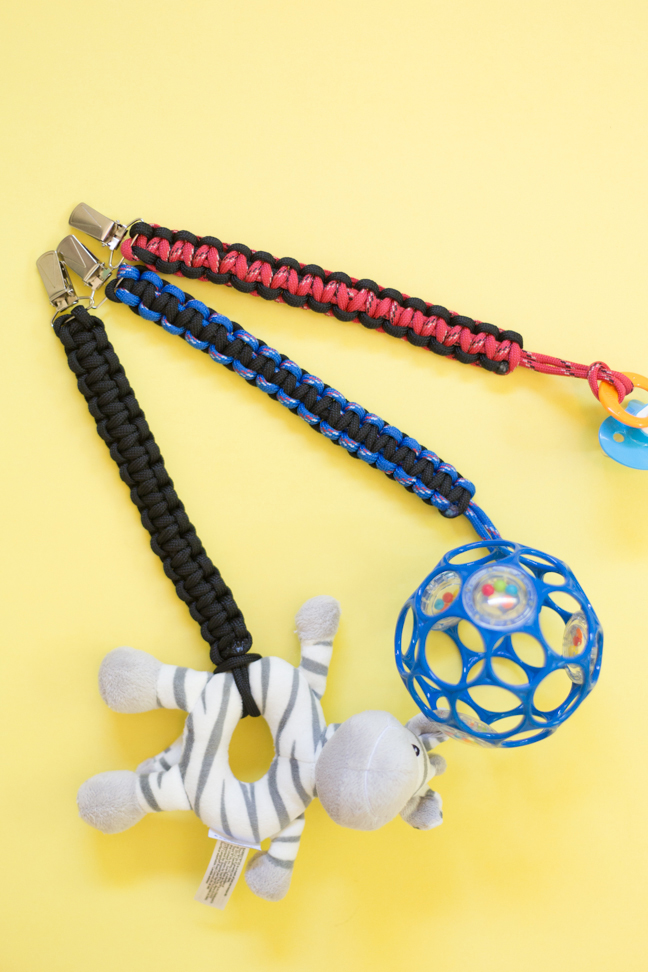diy-paracord-baby-toy-clips2