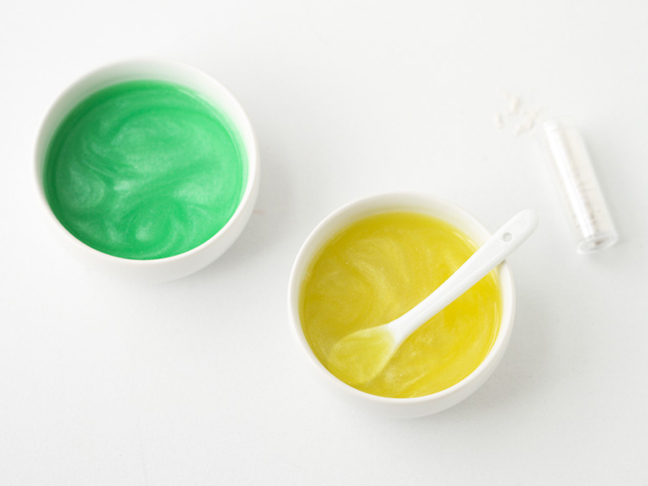 glitter-mixed-jello-green-yellow