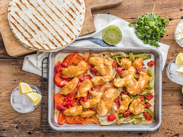 skinny-baked-sheet-pan-chicken-fajitas-1-of-12