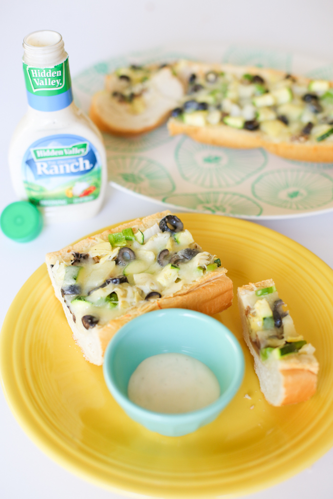 veggie ranch garlic bread pizza