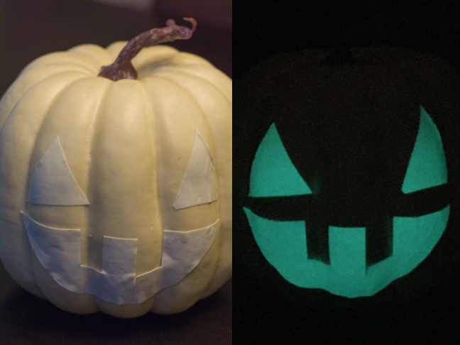 DIY_Glow_In_The_Dark_Pumpkin_7