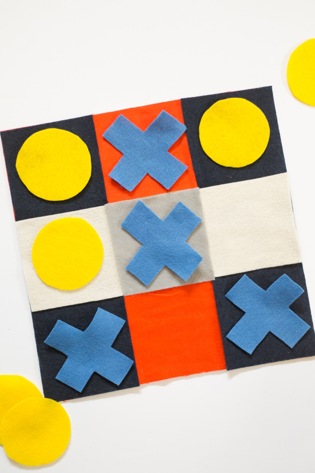 felt-tic-tac-toe-board-game