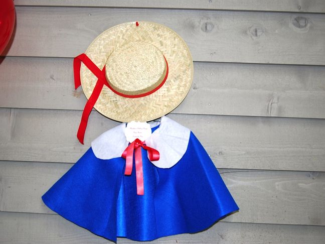 madeline-cape-hat-shoppe-girl-birthday-party