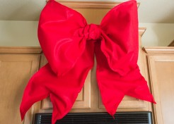 How to Make Giant Holiday Bows