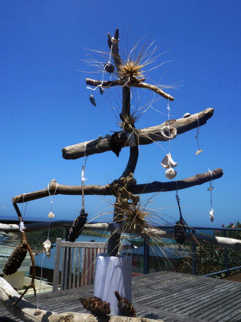 Driftwood tree for a very Aussie Christmas