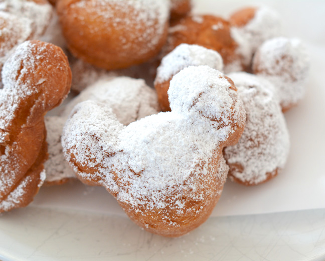 mickey-mouse-beignets-recipe-6
