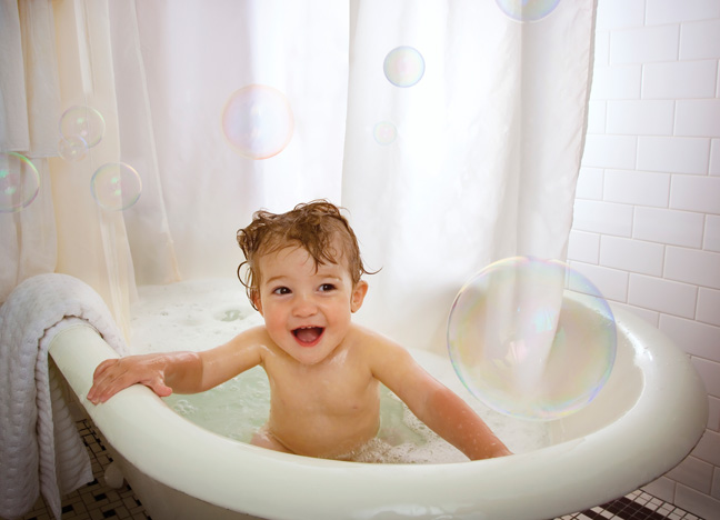 toddler-taking-bath