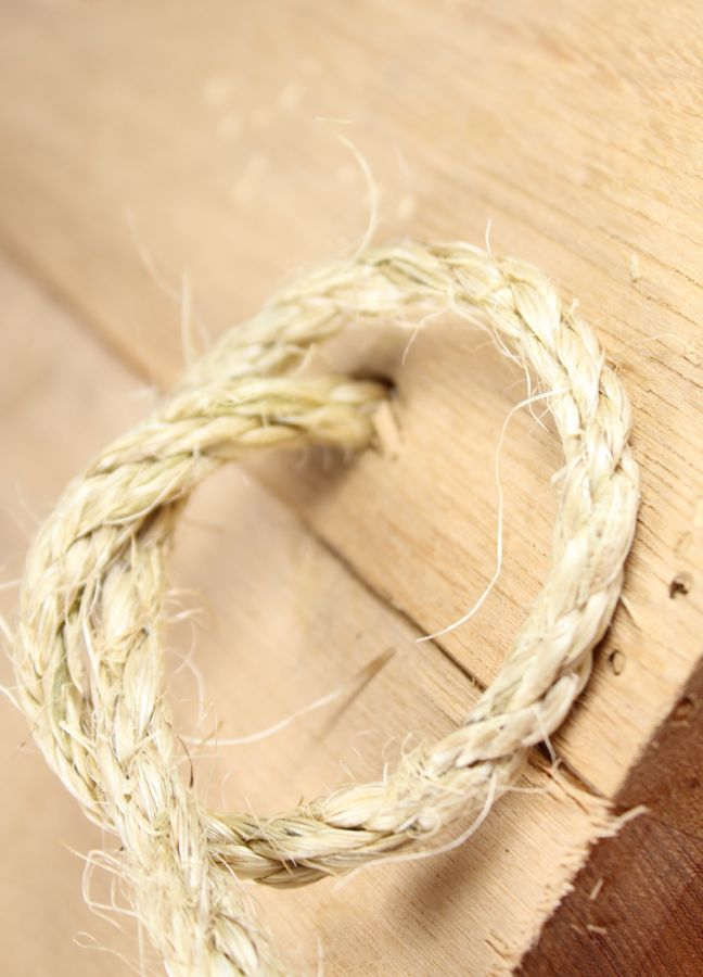 rope knot wood