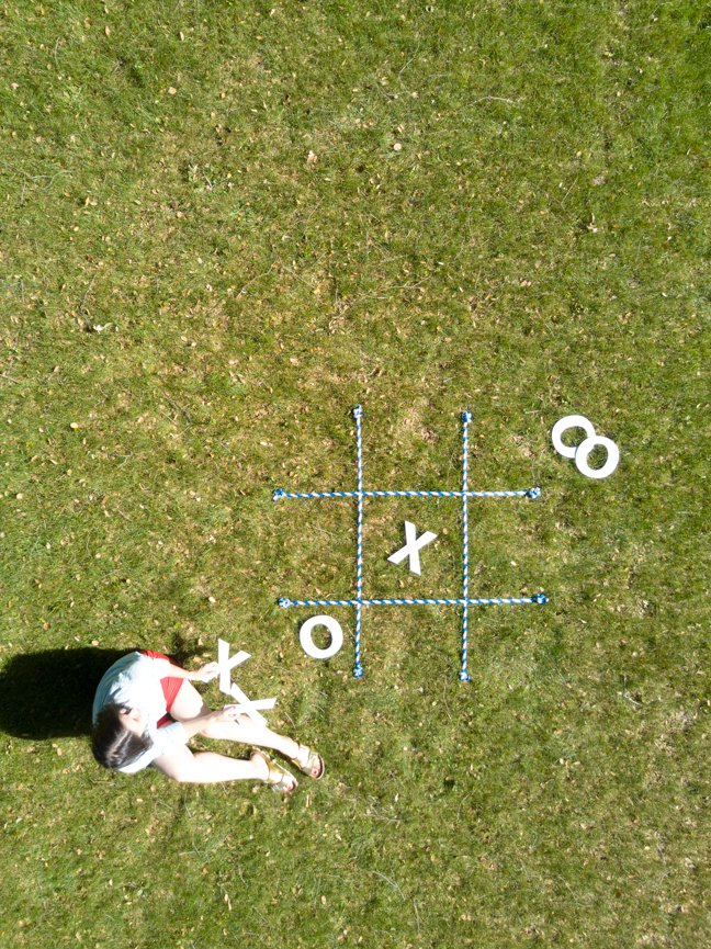 Giant lawn tic tac toe game