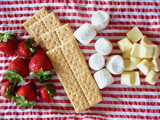 cloth napkin-red-white-stripes-strawberries-graham crackers-white chocolate