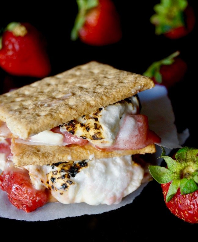 s'more-strawberries-graham crackers