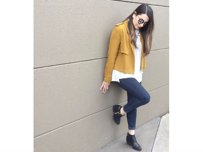 yellow cropped jacket black ankle boots skinny jeans