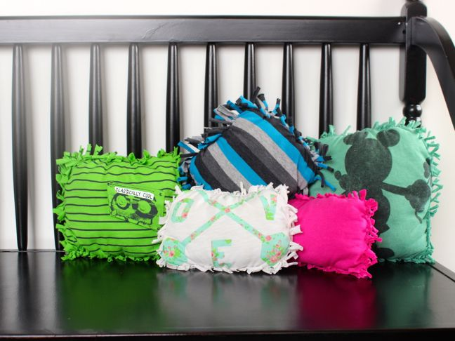 Make These No Sew Pillows From Old T Shirts Your Kids